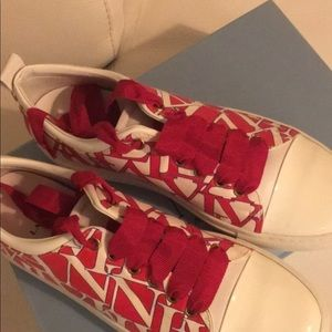 Size 10 Sneakers